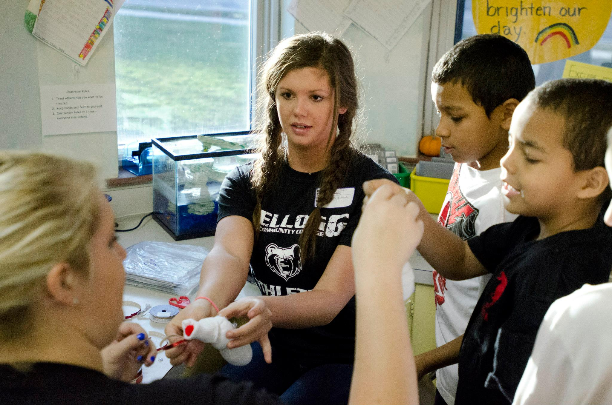 KCC student-athletes participate in a Bruins Give Back event at a local elementary school