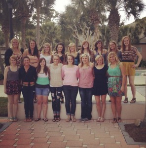 The KCC softball team pictured on their spring trip in Florida. Photo courtesy of Taylor Howes, via Twitter.
