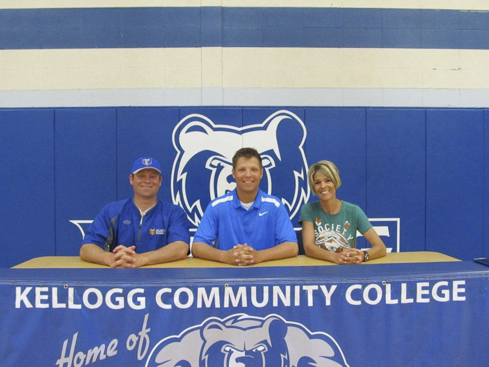 Justin Gierlowski signs a National Letter of Intent to play baseball at KCC.