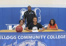 Signing photo for KCC men's basketball commit Aaron Brown.