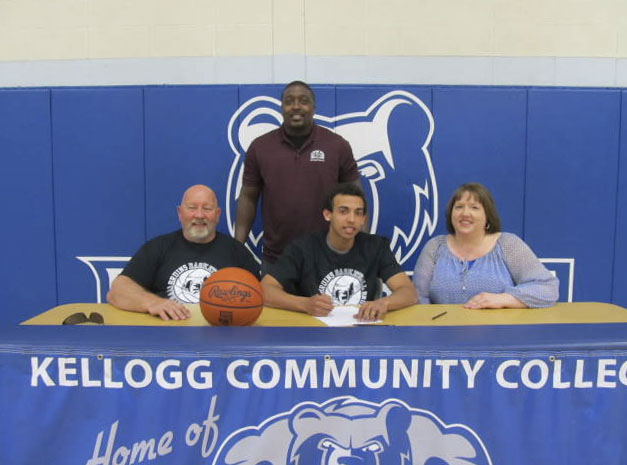 Signing photo for KCC men's basketball commit Darrion Burkett.