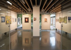 A photo of the Eleanor R. and Robert A. DeVries Gallery in KCC's Davidson Center.