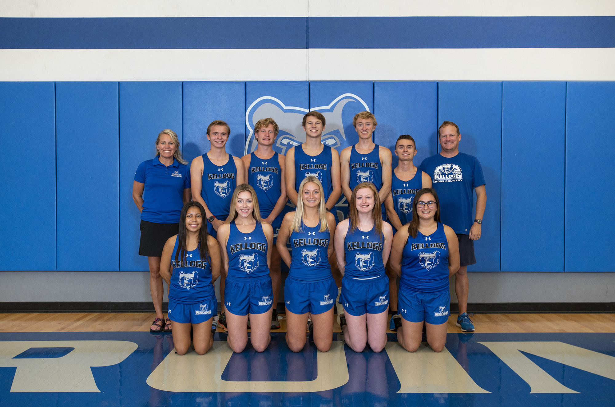 KCC's Fall 2020 men's and women's cross country teams.