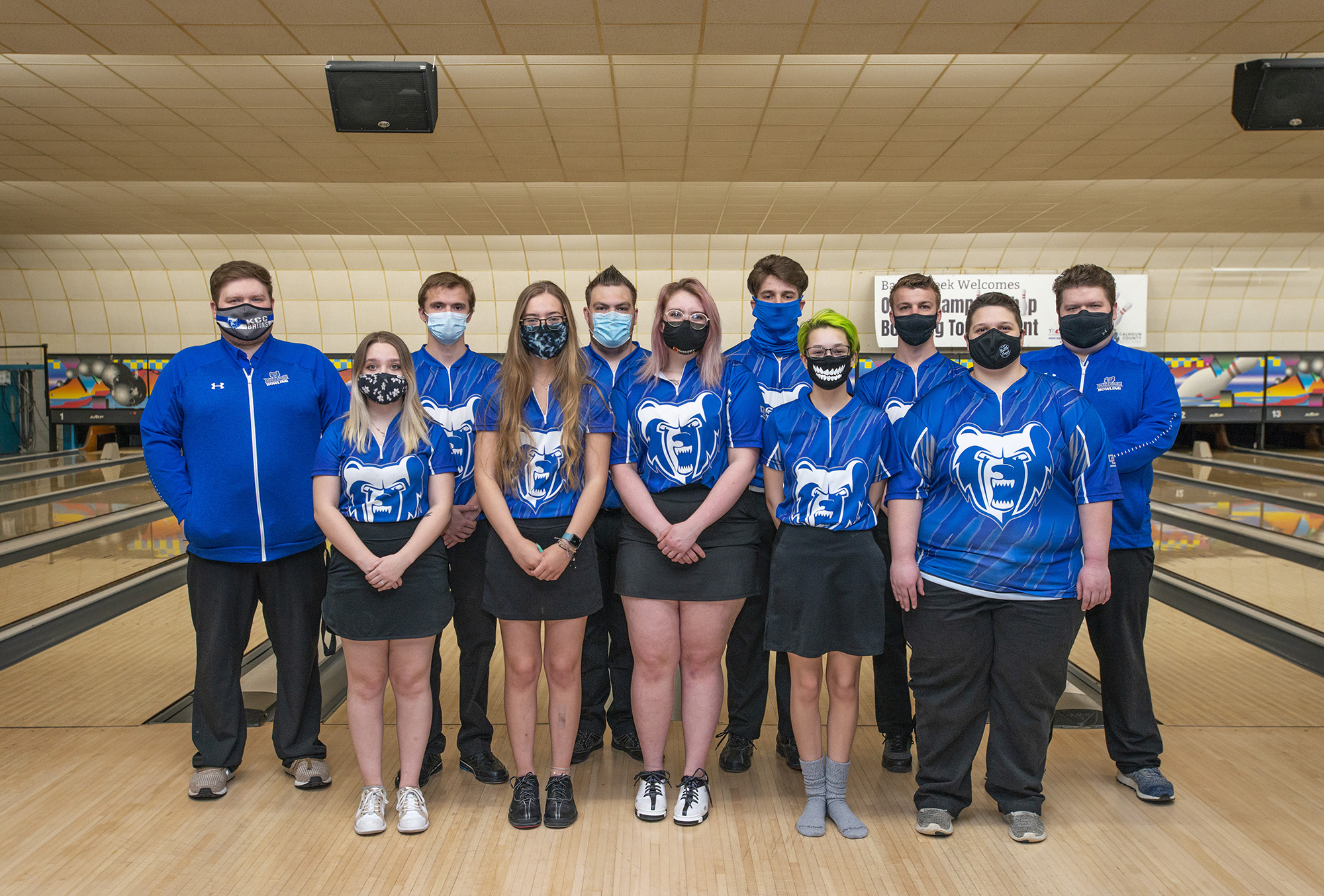 KCC's 2020-21 men's and women's bowling teams.